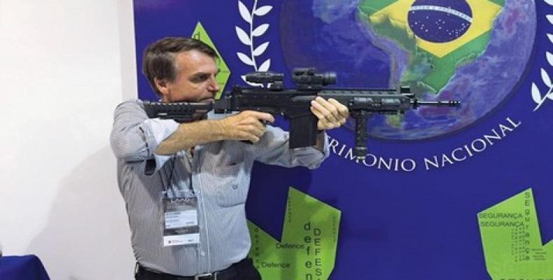 Bolsonaro autorizará a portar armas. Foto / Ansa Latina