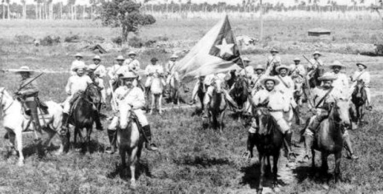 Mambises cubanos en la manigua redentora.