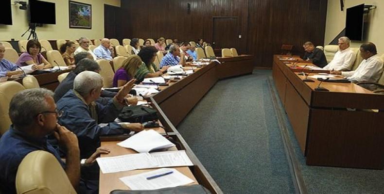 El presidenmte cubano encabeza el encuentro. Foto: Estudios Revolución