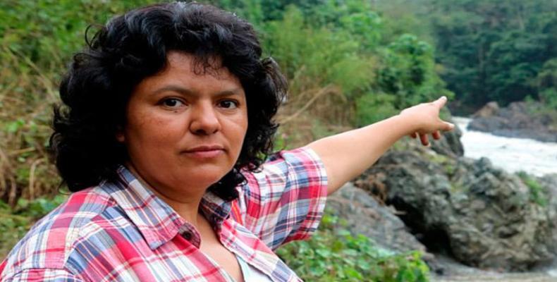 l ambientalista mexicano, Gustavo Castro, testigo del asesinato de la dirigente social hondureña Berta Cáceres denunció que los sicarios quienes cometieron ese