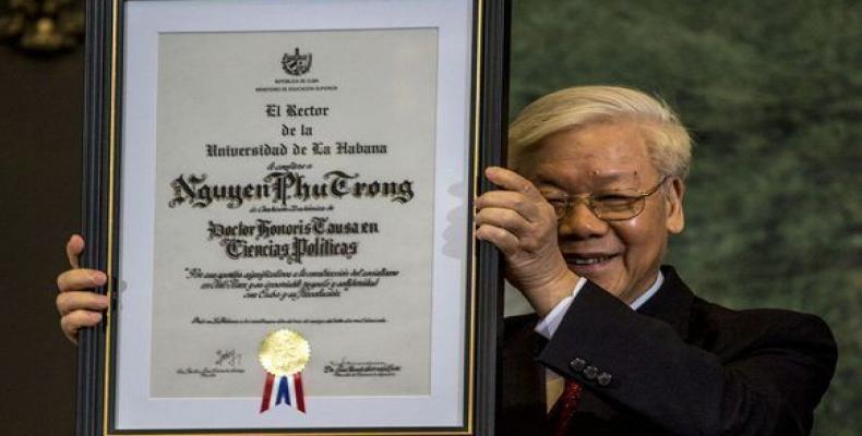 Relevantes aportes de Nguyen Phu Trong avalan el título recibido en la UH. Foto: Ismael Francisco/Cubadebate
