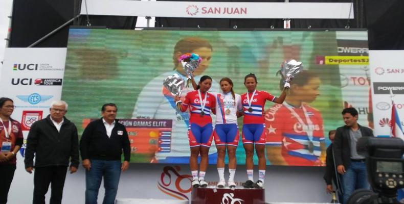 arlenis-iraida-Marlies en el podio en San Juan. Foto: Copaci