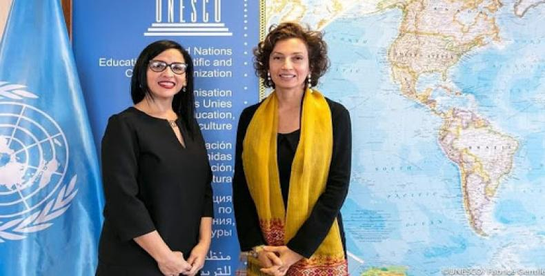 Yahima Esquivel et Audrey Azoulay, secrétaire générale de l'UNESCO à Paris.