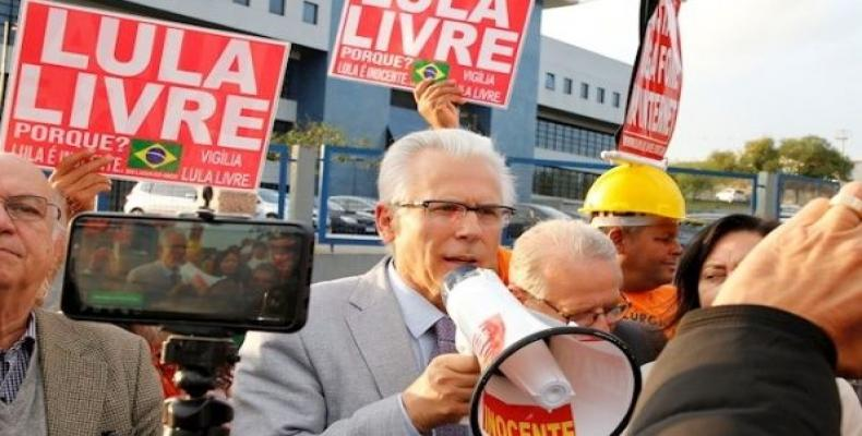 Former Judge Baltasar Garzon after visiting Lula da Silva. (Photo: EFE)