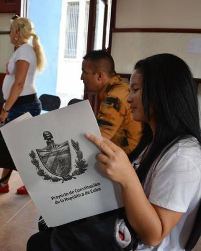 La Carta Magna de la República de Cuba será sometida a consulta popular en todo el país a partir del próximo 13 de agosto y hasta el 15 de noviembre. Fotos: Ar