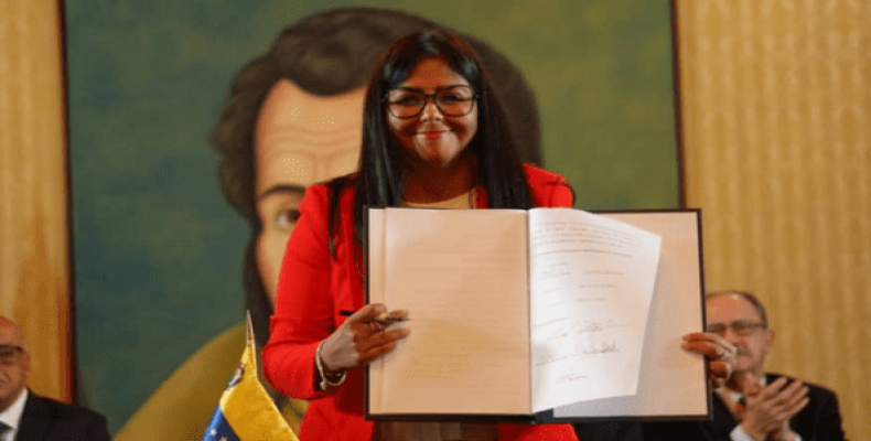 Venezuela VP Delcy Rodriguez at the signing of the agreement. (Photo: @NicolasMaduro)