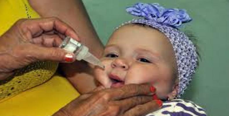 Cuba en Campaña de Vacunación Antipoliomielítica