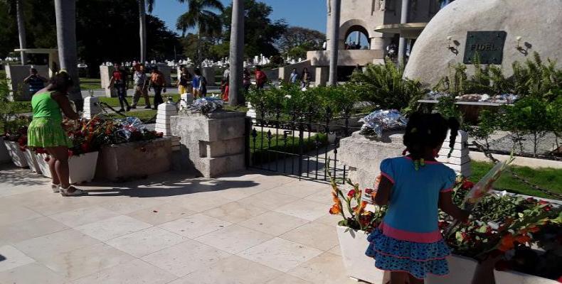 Omaĝe al Fidel en Santa Ifigenia