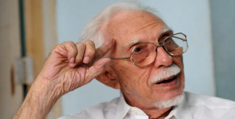 Guerra poseía la categoría de Doctor Honoris Causa en la Universidad de las Artes de La Habana. Foto: periódico Granma