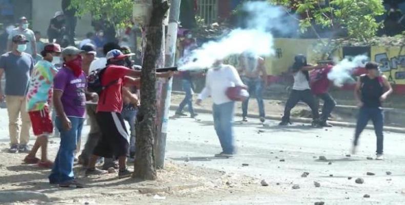 Estos individuos quieren derrocar a la Revolución Sandinista y entregar Nicaragua, en ruinas o no, al Imperio. Foto: Archivo