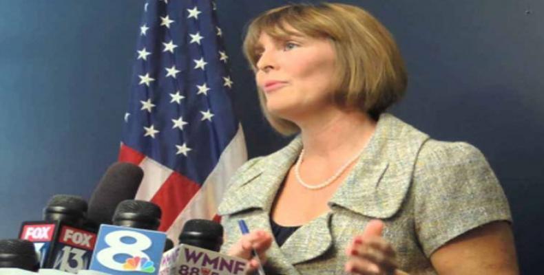 Legisladora dos EUA pede ao governo volta de diplomatas à embaixada em Cuba.