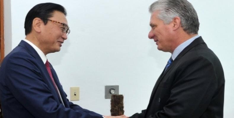 Cuban president receives visiting Japanese parliamentary leader