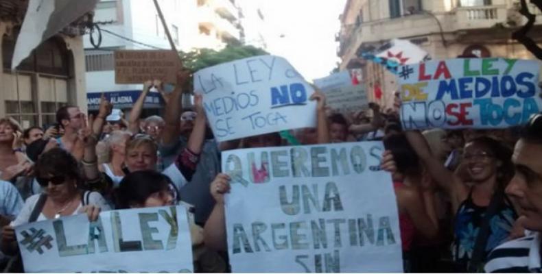 Manifestación en Argentina contra políticas del gobierno