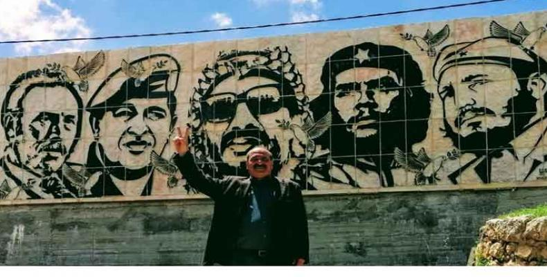 From left to right: Houari Boumédiène, Hugo Chávez, Yasser Arafat, Che Guevara, Fidel Castro