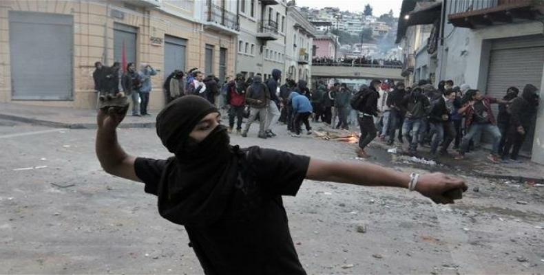 Demonstrators clash with riot police during protests. (Photo: Reuters)