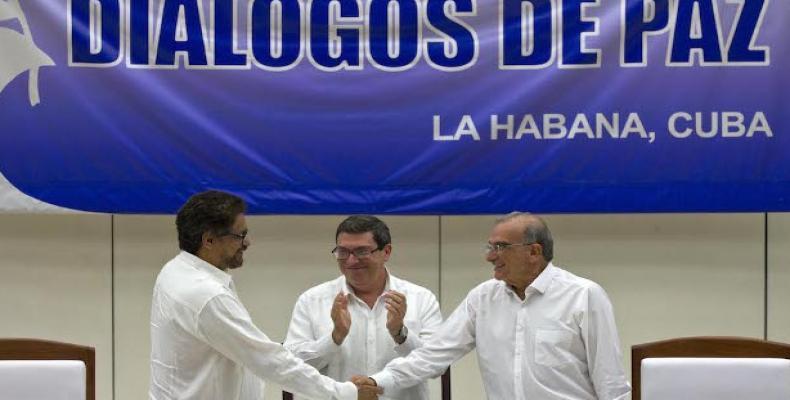 La Unión Europea elogió el anuncio del acuerdo de paz definitivo entre el gobierno colombiano y insurgentes FARC-EP,