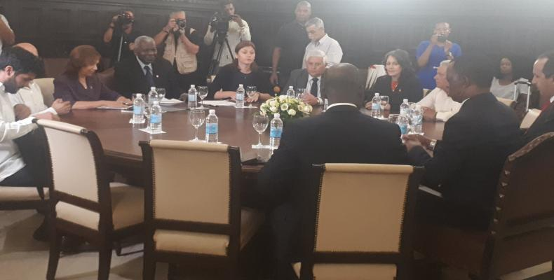 Esteban Lazo recibió al titular del Parlamento Panafricano.Fotos RReloj.