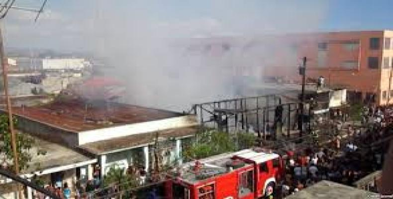 Imagen parcial del incendio. Foto: Internet
