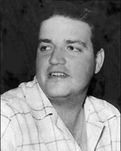 Cubanos prestam homenagem a José Antonio Echeverría.