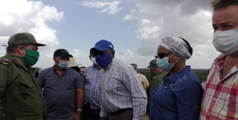 El vicepresidente de Cuba, Salvador Valdés, convocó a elevar los indicadores de producción de alimentos. Foto: Radio Reloj.