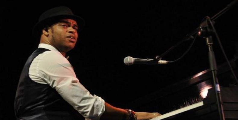 Young Cuban jazz pianist Roberto Fonseca