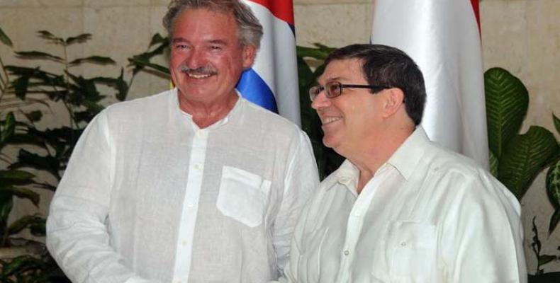 El canciller cubano, Bruno Rodríguez y el ministro de Asuntos Exteriores y Europeos, de Inmigración y Asilo de Luxemburgo, Jean Asselborn. (Foto: PL)