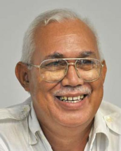 Francisco López Sacha (1950) es uno de los narradores y ensayistas más prolíficos de Cuba. Foto: Internet