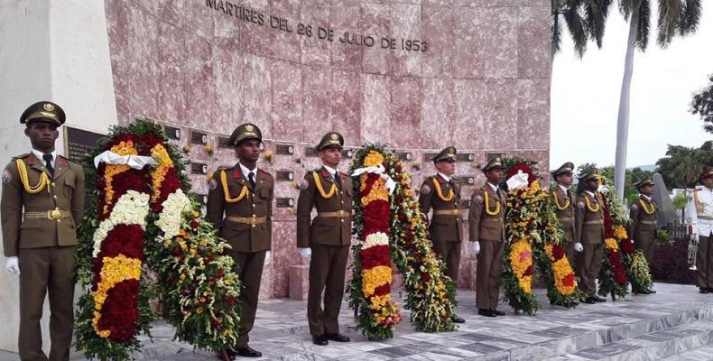 Tributo a quienes cayeron en la histórica gesta. Fotos: Yuzdanis Vicet Gómez