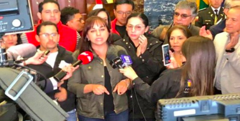 Gabriela Rivadeneira announced her party wants early elections.  (Photo: @callimanta)
