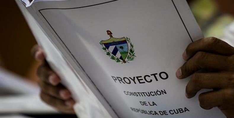 Potenciará nueva Constitución vínculos entre Cuba y su emigración. Foto: Irene Pérez/ Cubadebate.