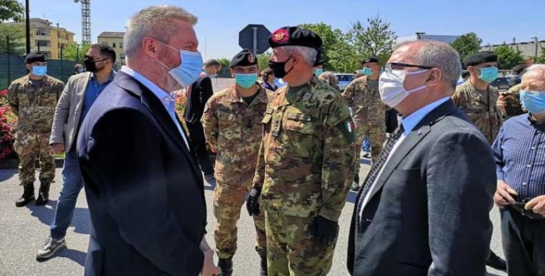 El ministro italiano de Defensa, Lorenzo Güerini agradeció este lunes a Cuba y a sus colaboradores de la salud. Foto: PL.