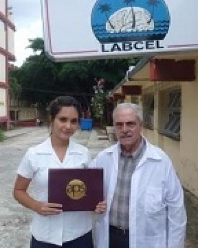 Pérez del Vallín, fue merecedora de ese reconocimiento por haber realizado los mejores estudios en líquido cefalorraquídeo.Foto:RReloj.