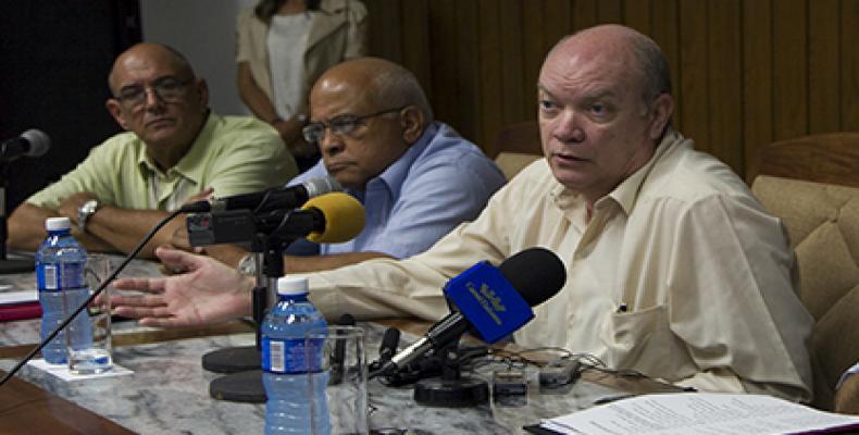 Rodrigo Malmierca (D). Foto: Ladyrene Pérez/ Cubadebate