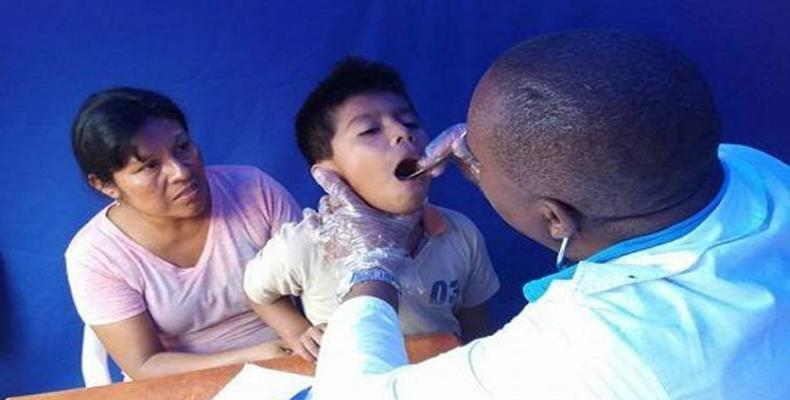 Médico cubano en Perú. Foto: Archivo