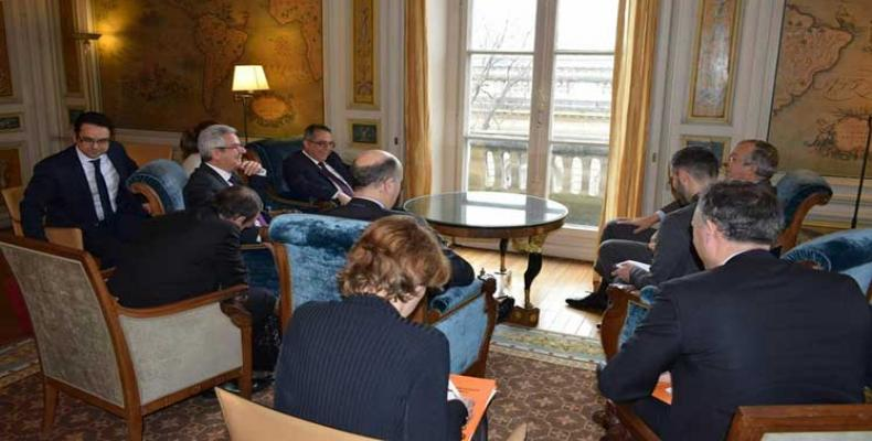 Image of the encounter in Paris between the Cuban and French diplomats. PL Photo