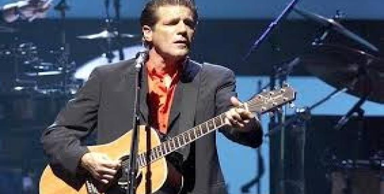 Glenn Frey en un concierto  de 2001