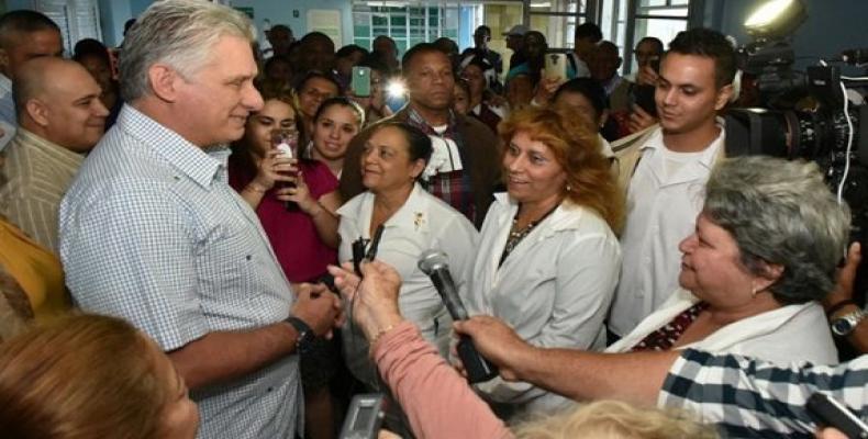 Miguel Díaz-Canel Bermúdez, felicitó a todas las féminas cubanas en ocasión del Día Internacional de la Mujer. Foto: ACN.