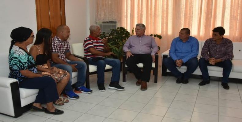 Díaz-Canel aseguró que se realizan gestiones sin descanso para lograr el regreso a Cuba de ambos profesionales. Foto: @PresidenciaCuba