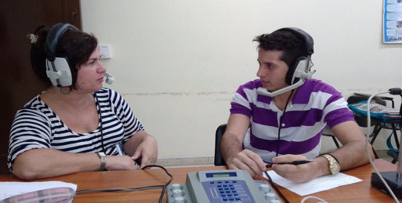 Los estudiantes del ISRI sienten orgullo del sistema electoral cubano. Foto: Alexis García