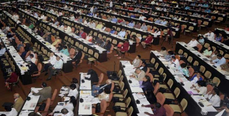 La nacia parlamento kuba