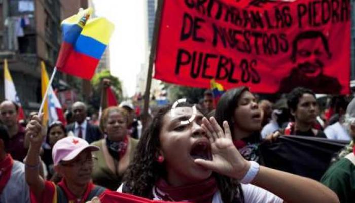 Miles de afiliados a los gremios de la Central de Trabajadores de Argentina Autónoma marcharon hacia el Congreso de la Nación, en Buenos Aires, para reclamar el