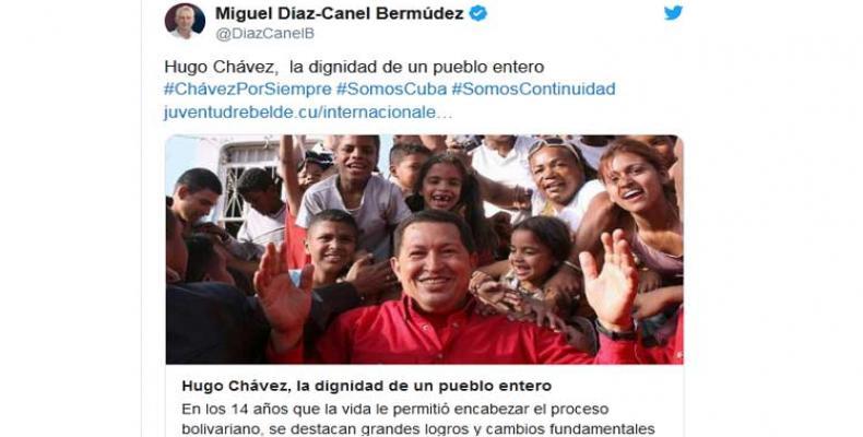 Miguel Díaz-Canel Bermúdez, y el canciller Bruno Rodríguez, recordaron el legado del líder bolivariano, Hugo Chávez. Foto: Tomada del Twitter de @DiazCanelB.