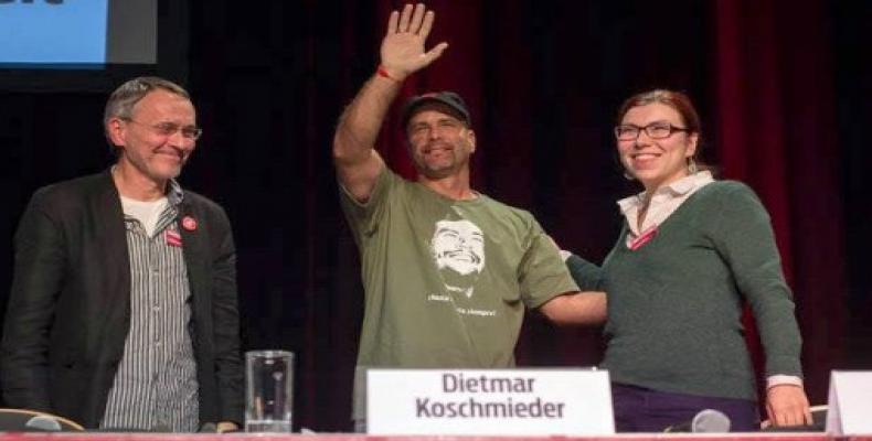 Gerardo Hernández (centro) en evento auspiciado por el diario alemán junge Welt. Foto: Embajada de Cuba en Alemania.