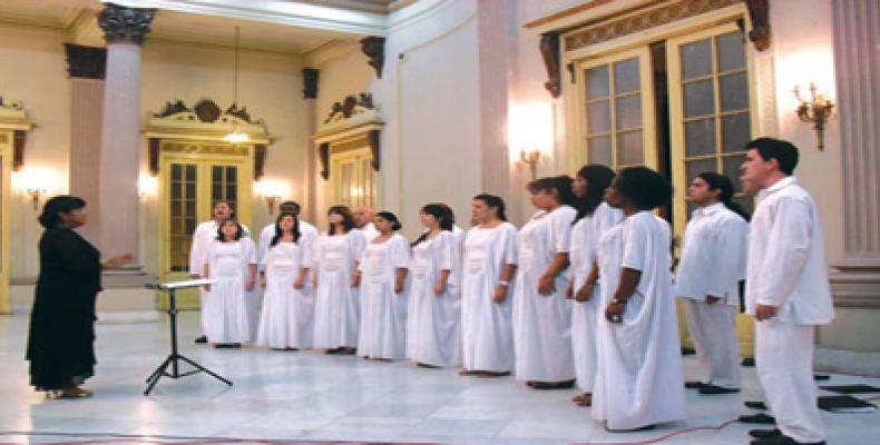 Coro Entrevoces, de Cuba, dirigido por la maestra Digna Guerra.