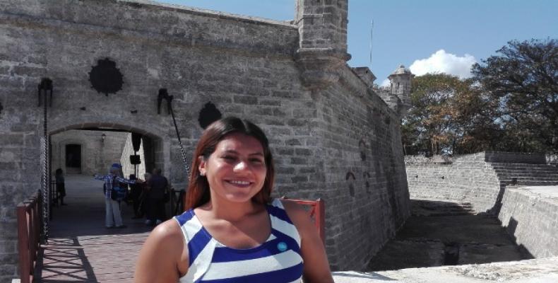 Arletty Góngora, museóloga del castillo de Santo Tomás de  Atarés, en La Habana. (Foto:Lorenzo oquendo/RHC)