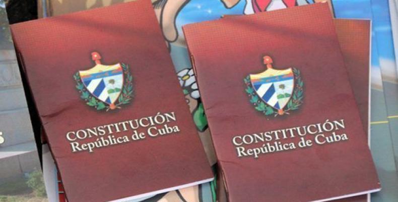 El 10 de junio de 2002 se ratificó el carácter socialista de la constitución. Fotos: Jorge Luis Baños