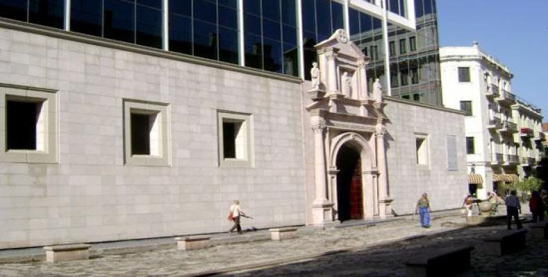 La entrega del título será en el Aula Magna del Colegio San Gerónimo de La Habana