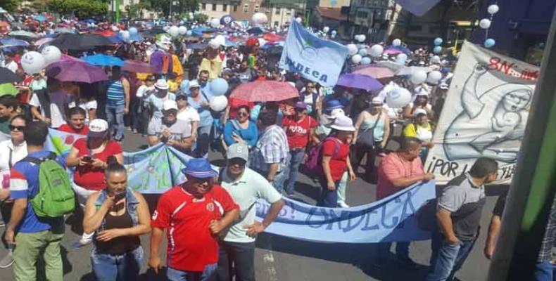 Llega a quinto día en Costa Rica huelga de trabajadores de la salud. Foto: PL.