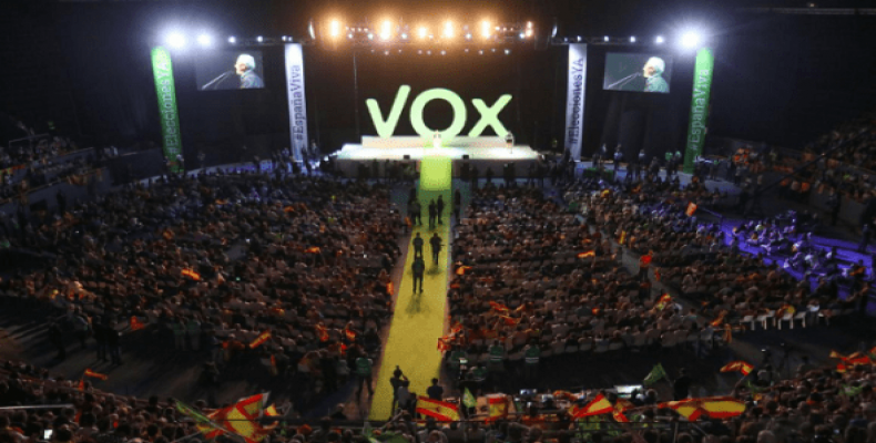 Supporters of far-right political party VOX attend a rally at the Palacio Vistalegre pavilion in Madrid, Spain, Oct. 7, 2018. Photo: Reuters