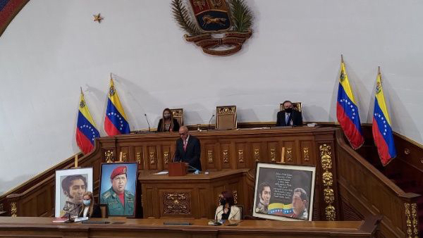 Esteban Lazo congratulates the President of the National Assembly of Venezuela